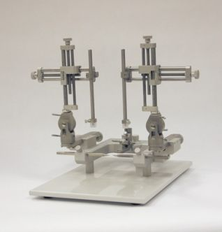 Dual Rat Stereotaxic Instrument