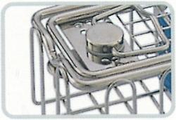Locking clip on endoscope basket